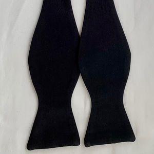Beautiful All Silk Bow Tie (Neiman Marcus)